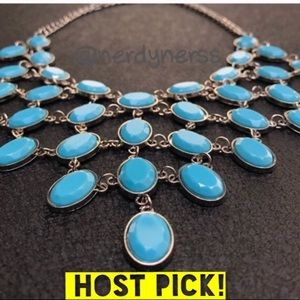 ⭐️HOST PICK⭐️ Robins egg blue pyramid necklace